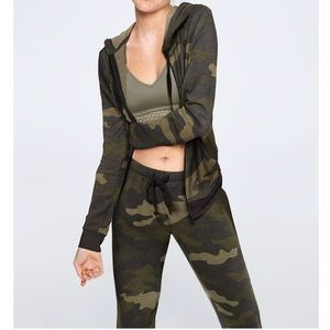 VS Pink Camo Zip -up